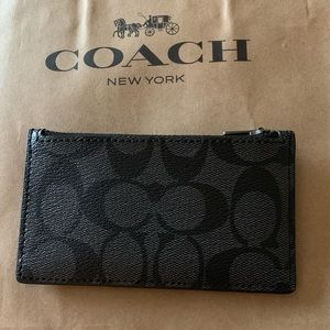 Coach zip card case with signature print